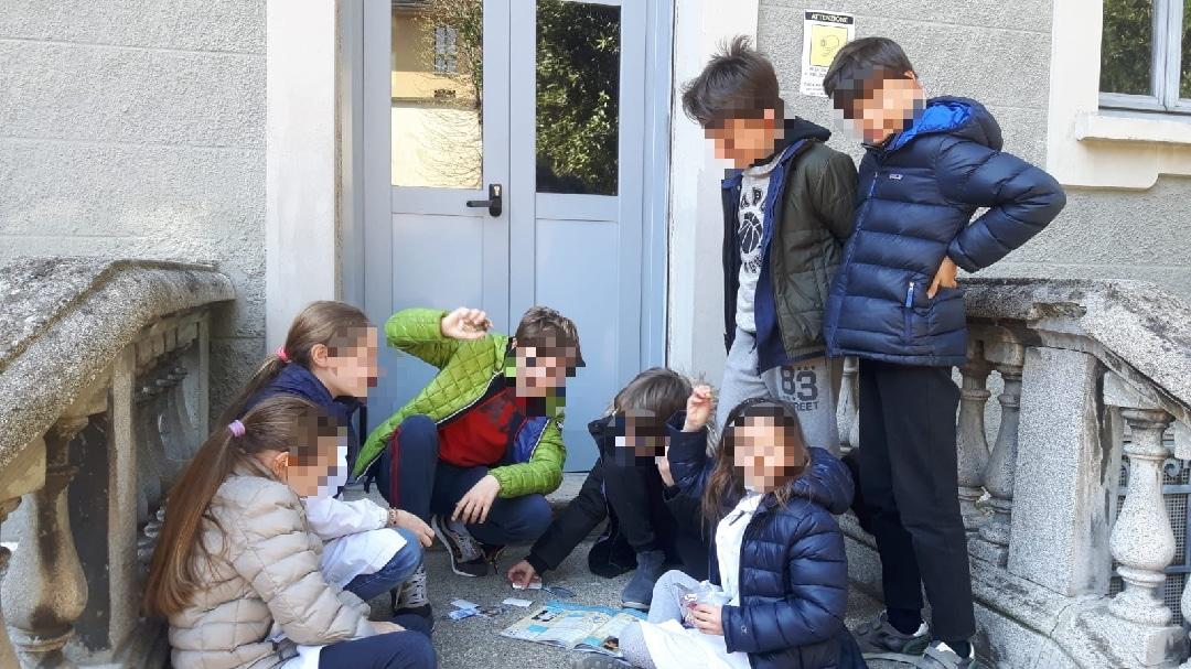 I bambini e gli album Artonauti a scuola